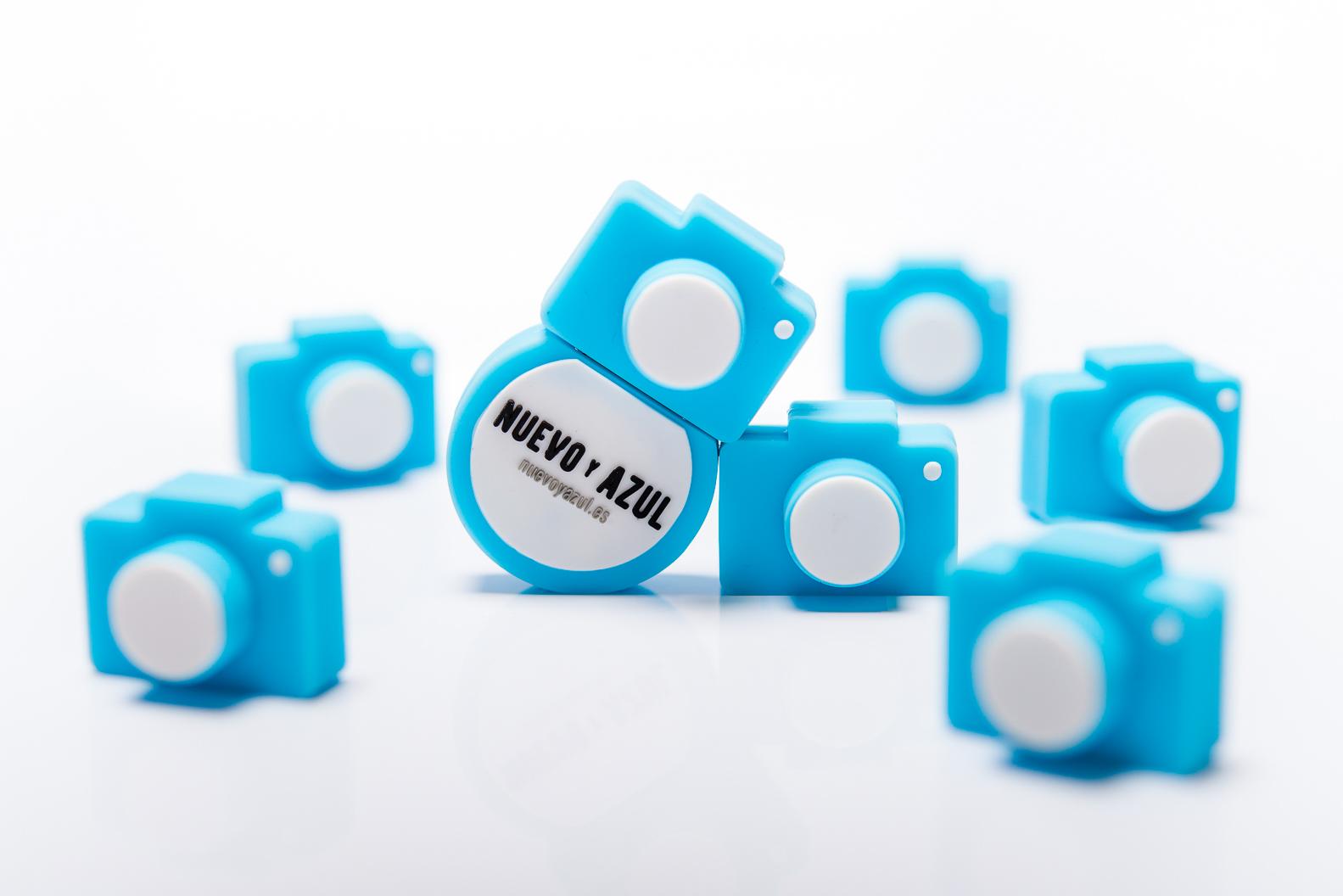 Nuevo y Azul